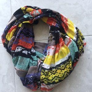 Bright and vivid circle scarf